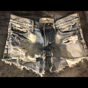 Hollister jean shorts - women's 24